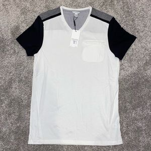 NWT Calvin Klein V-Neck T-Shirt, Mens Size SMALL